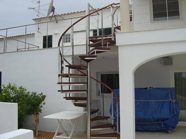 Escaleras de hierro escaleras y estructuras met licas - Escaleras de hierro para exterior ...